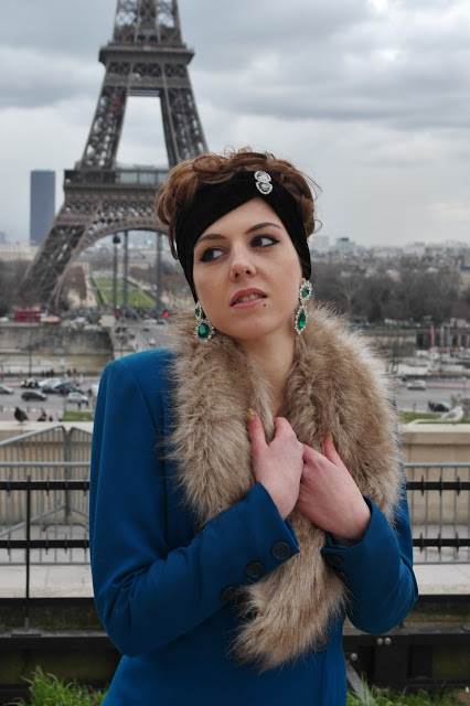 A chic girl at the Eiffel Tower