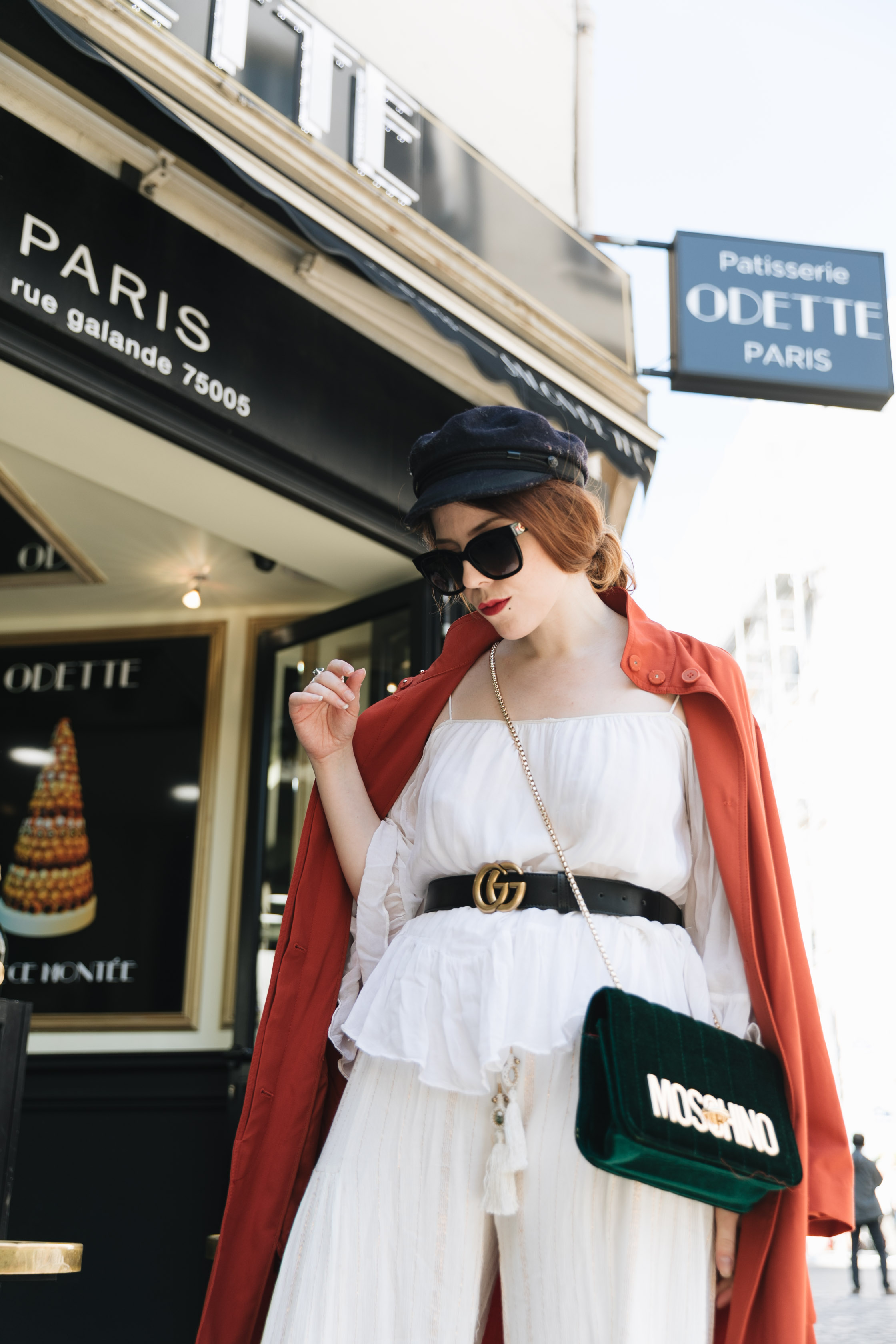 trench orange pantalon oversize tenue mode patisserie Odette Paris saint michel charlie sugar town