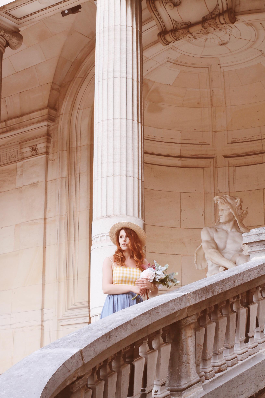 Tenue-retro-parisienne-jupe-denim-paul-and-joe-top-bershka-sac-rotin-musée-galliera-paris-charlie-sugar-town