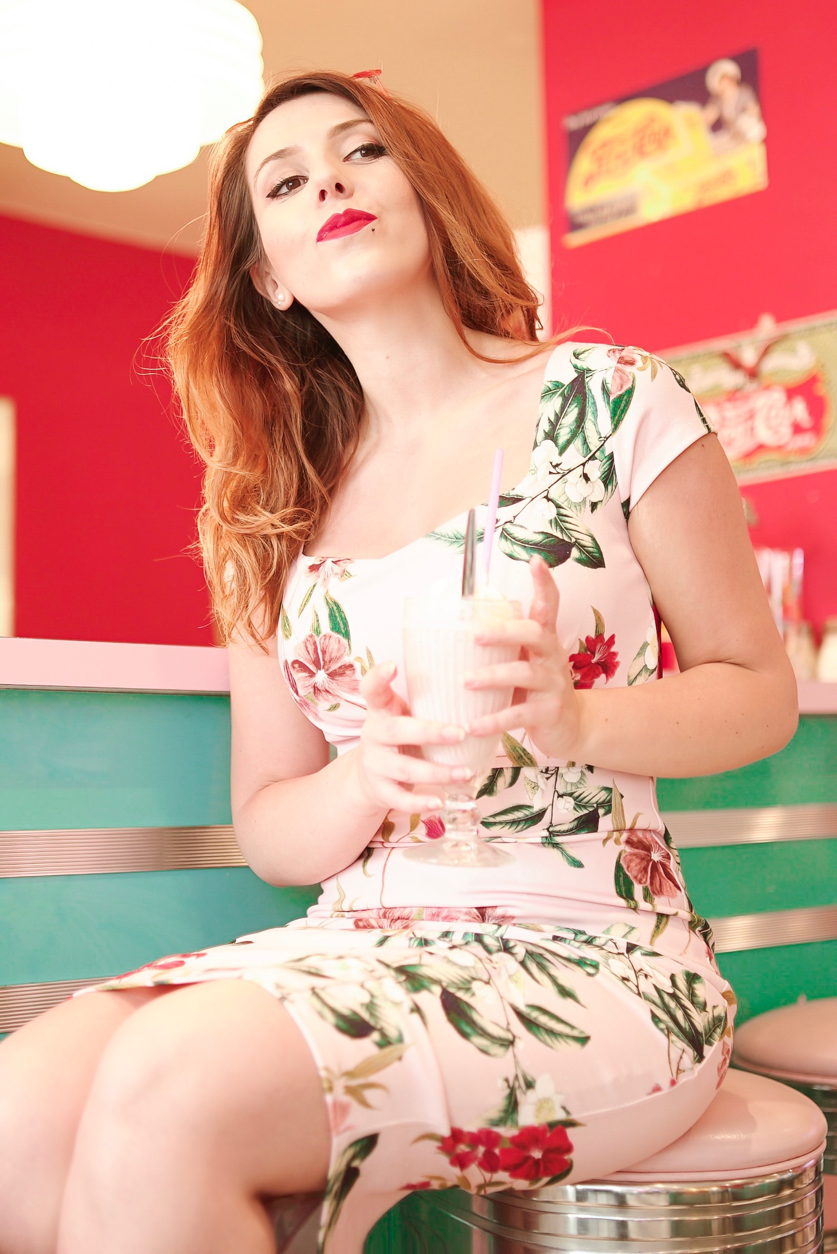 Look rétro vintage tenue pin up girl hd diner so ouest robe crayon top vintage charlie sugar town