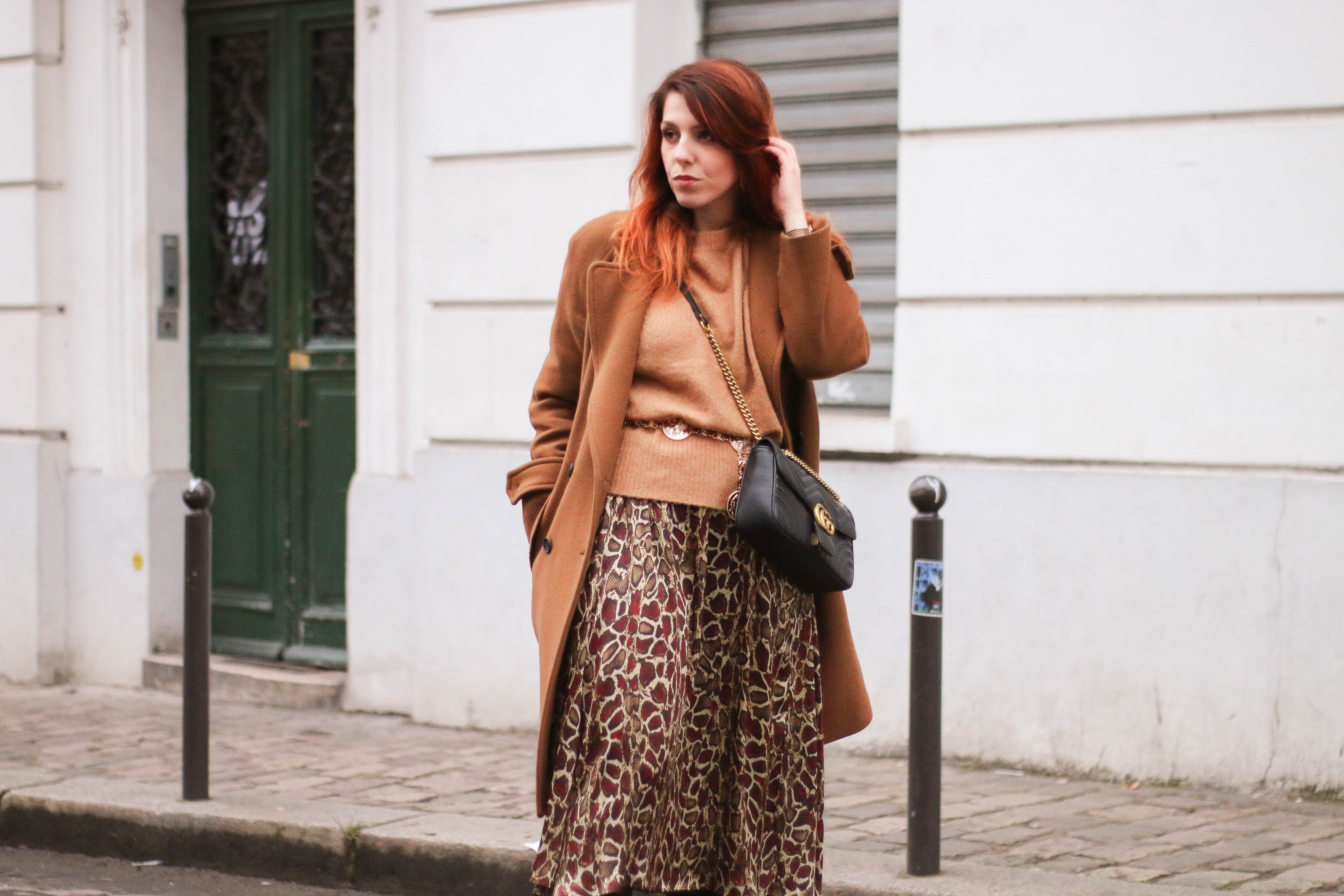 Ceinture chaine medaillon jupe leopard Paris Montmartre Charlie Sugar Town montre cluse blog retro vintage paris