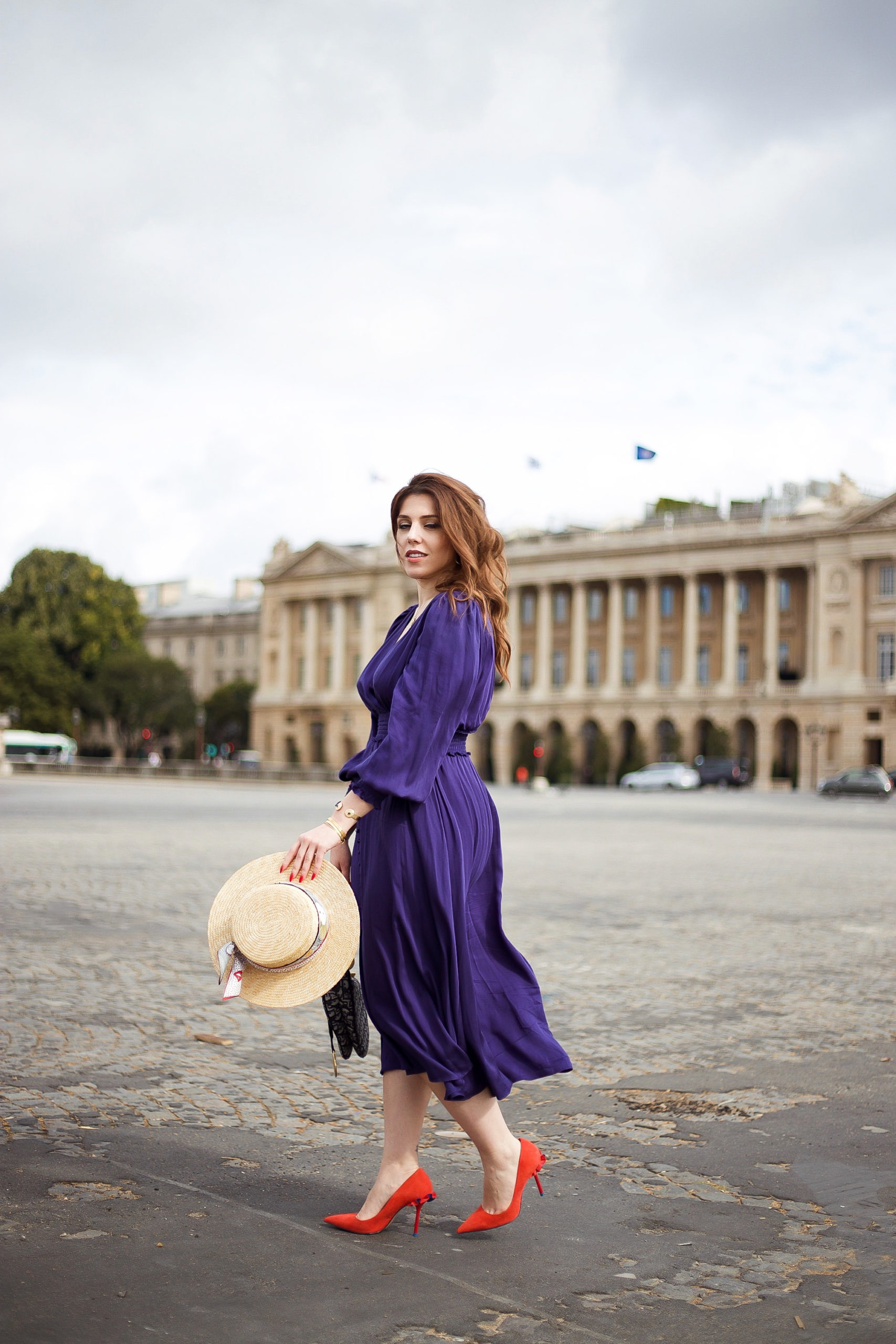 Place de la concorde Paris tenue fluide blog mode robe bleue
