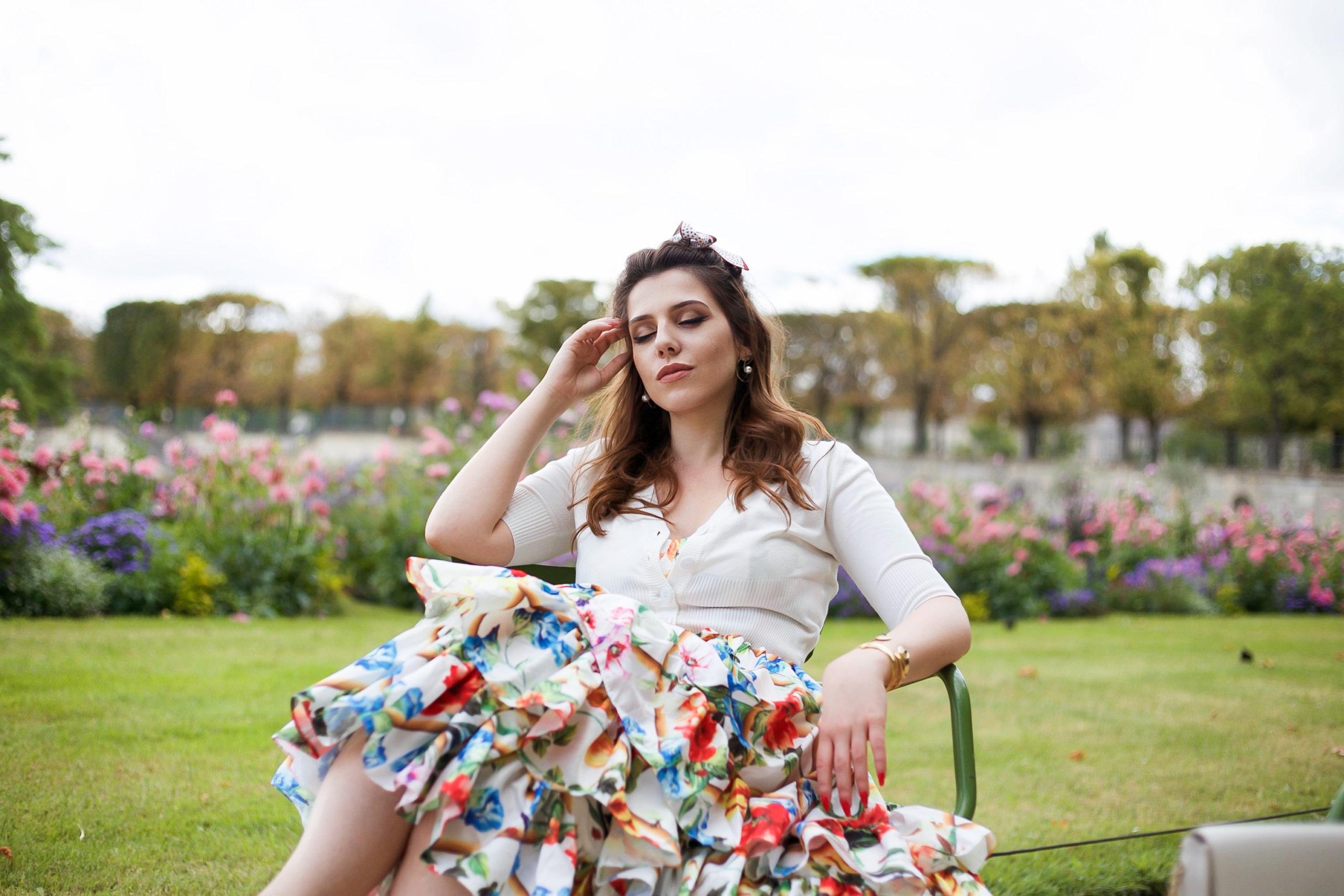 Robe fleurie à volants Tuileries Paris