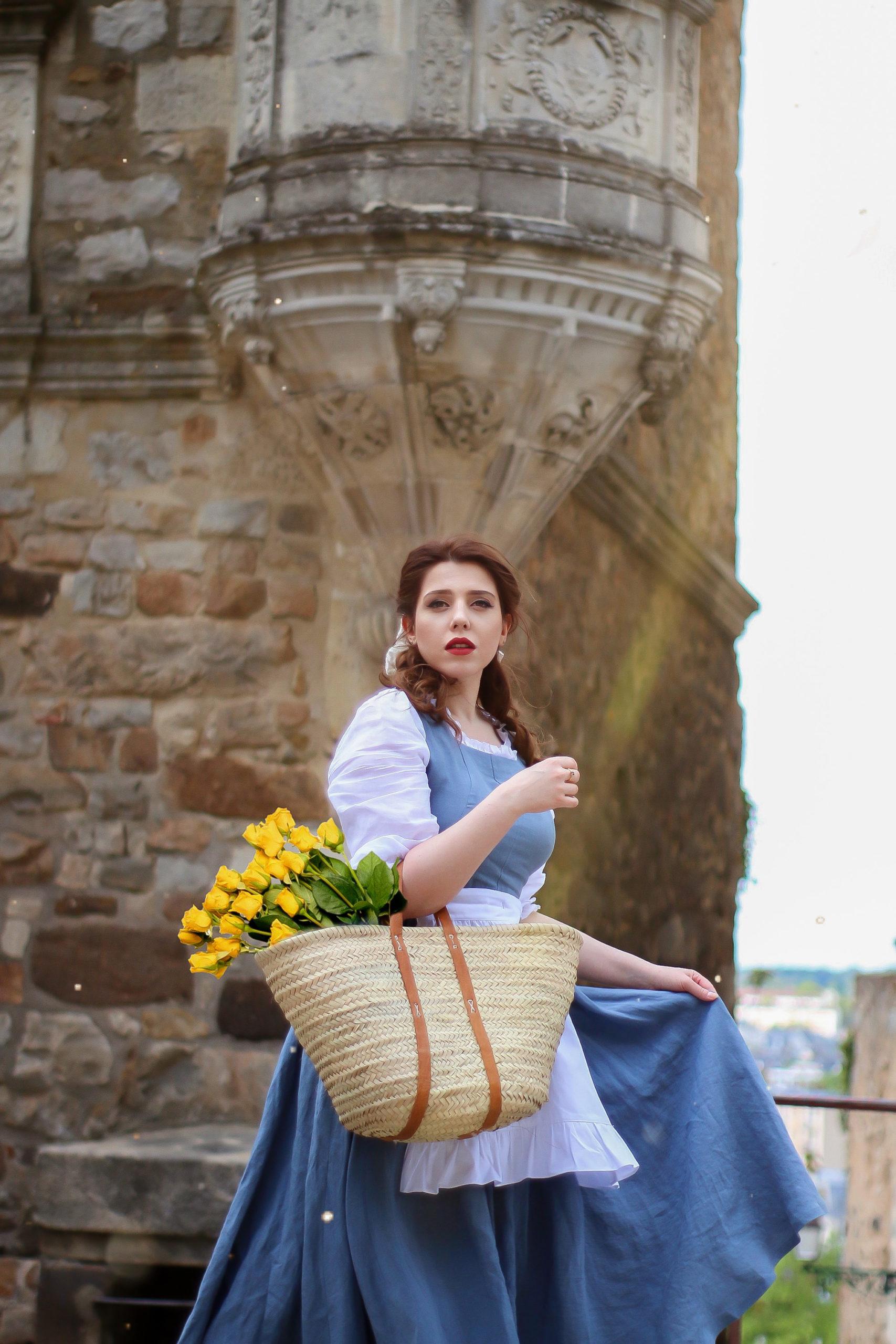 Cosplay déguisement Belle La Belle et la Bête Disney Beauty and the Beast